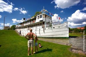 Goetakanal-Reise-MS-Diana-Schleusengang